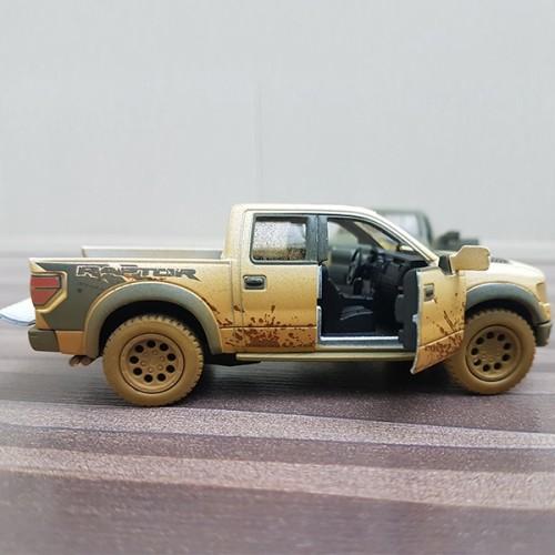 SVT Raptor Muddy Car (KinSmart)
