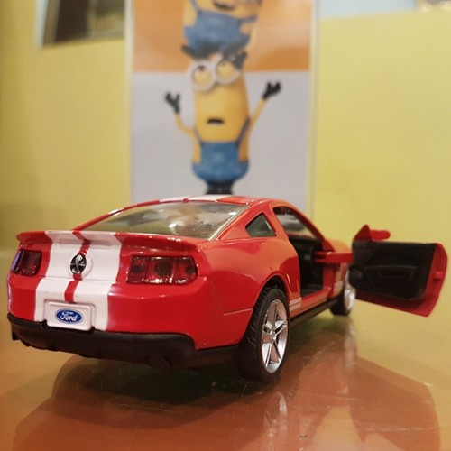 MZ Ford Mustang Model Car