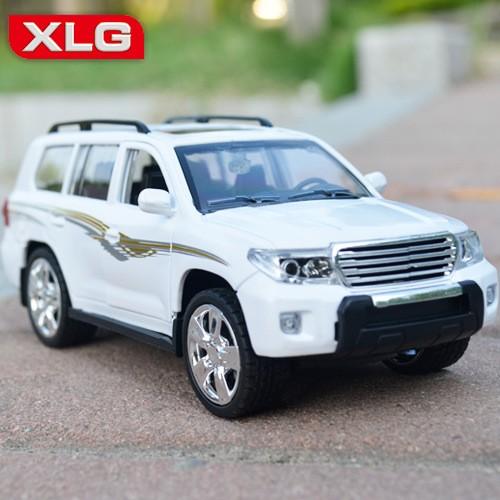 Metal Body Land Cruiser Model Car