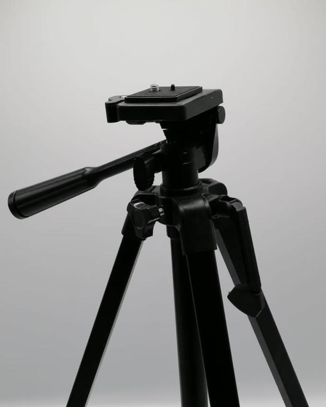 Tripod D440 Model For Mobile & Cameras Edition