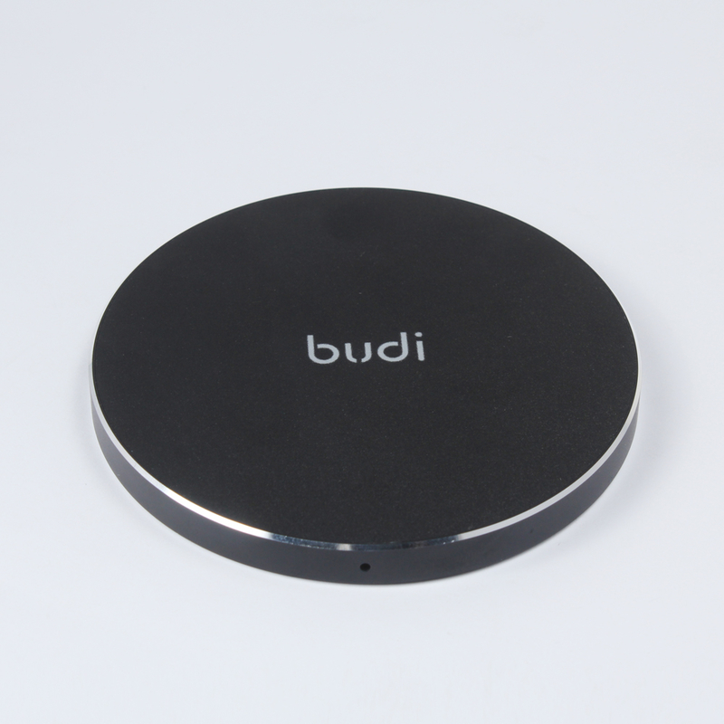 Budi wireless metal charger 10 W for mobile devices