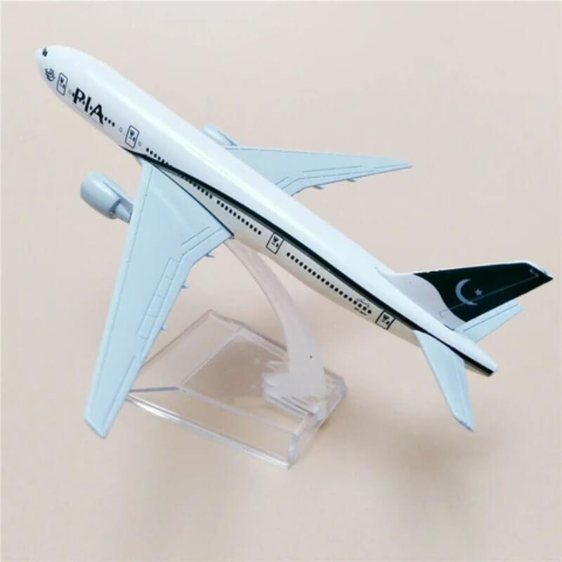 Metal Airplane - PIA Boeing 777