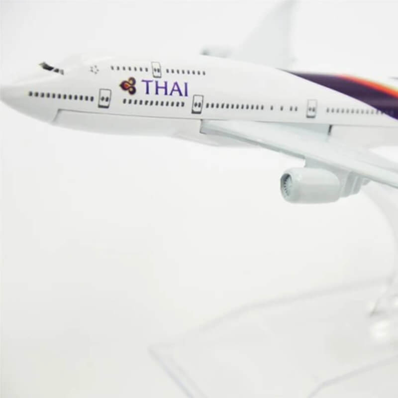 Metal Airplane - Thai B777