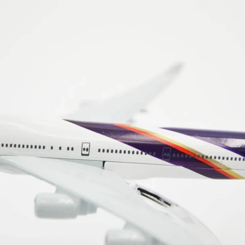Metal Airplane - Thai B777