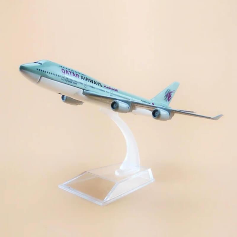 Metal Airplane - Qatar Airways B747