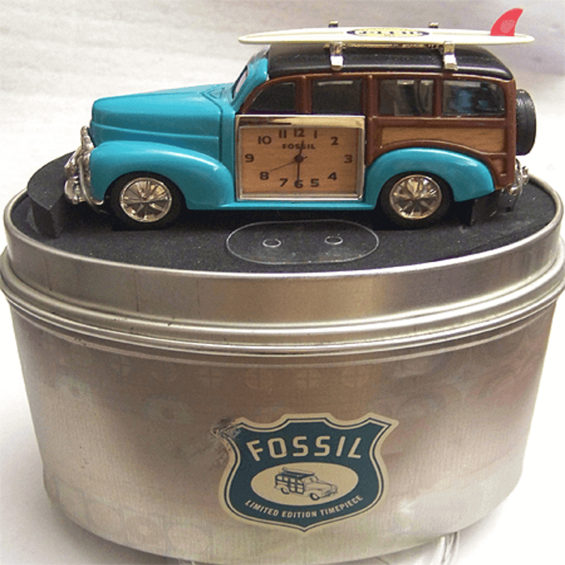 fossil-brand-antique-woody-wagon-clock-metal