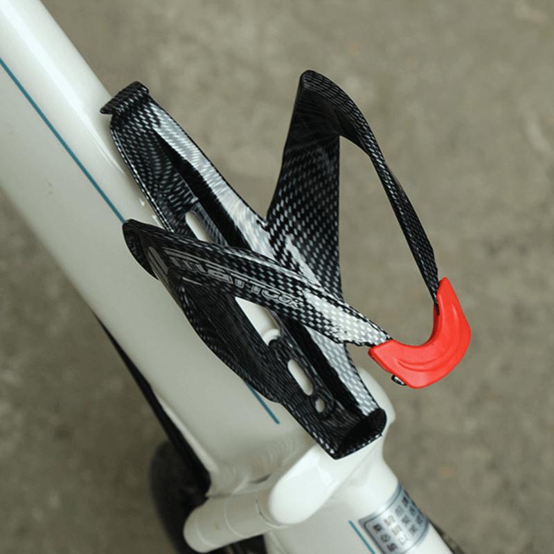 carbon-fiber-texture-water-bottle-holder