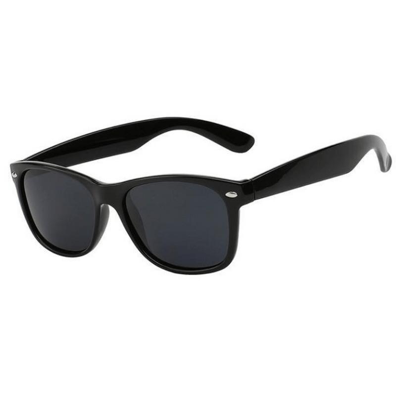 black-unisex-wayfarer-fashion-sunglases