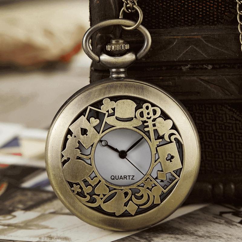 antique-retro-design-pocket-watch-and-necklace